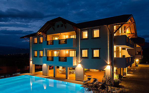 Garni Hotel Kaltern Peterlinhof Zimmer Und Ferienwohnungen