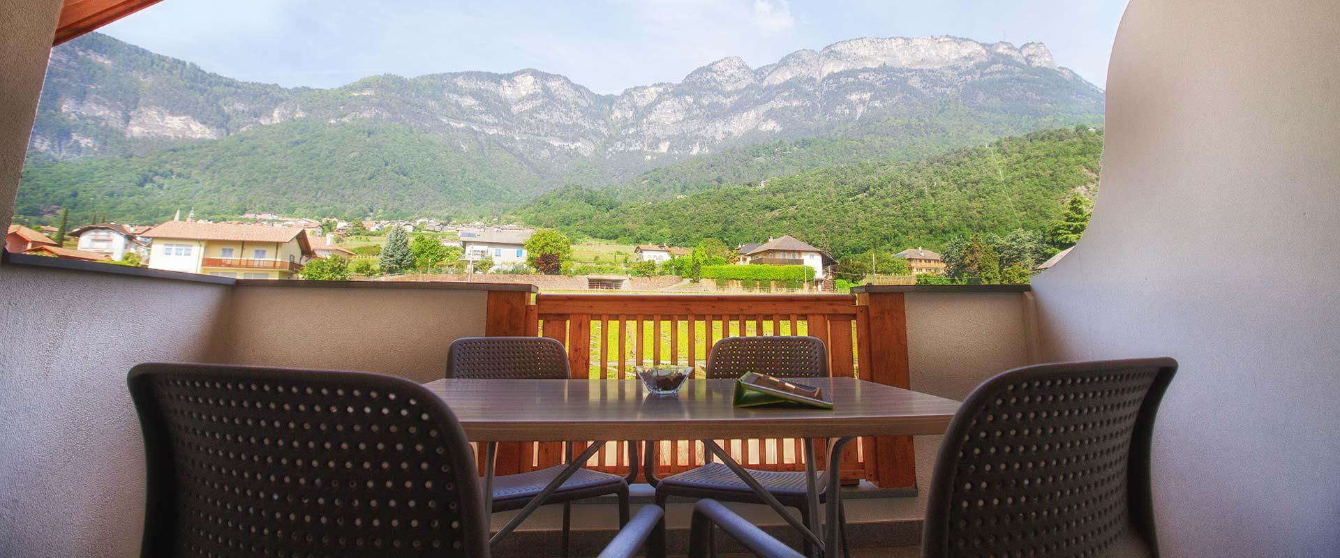 Ferienwohnungen garni hotel peterlinhof kaltern for Hotel kaltern